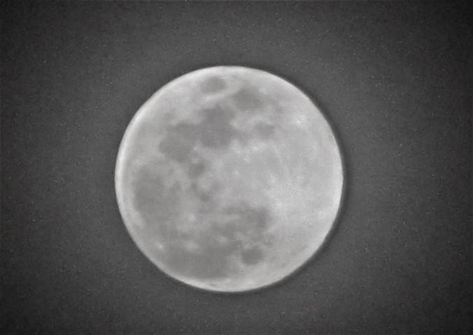 moon 1 april 10